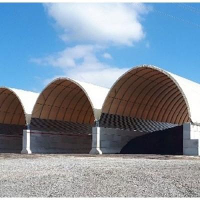 Túnel de 15x20x8,35m de alto sobre suelo de hormigón