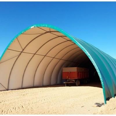 Túnel de 10x30x5m de alto sobre suelo de tierra